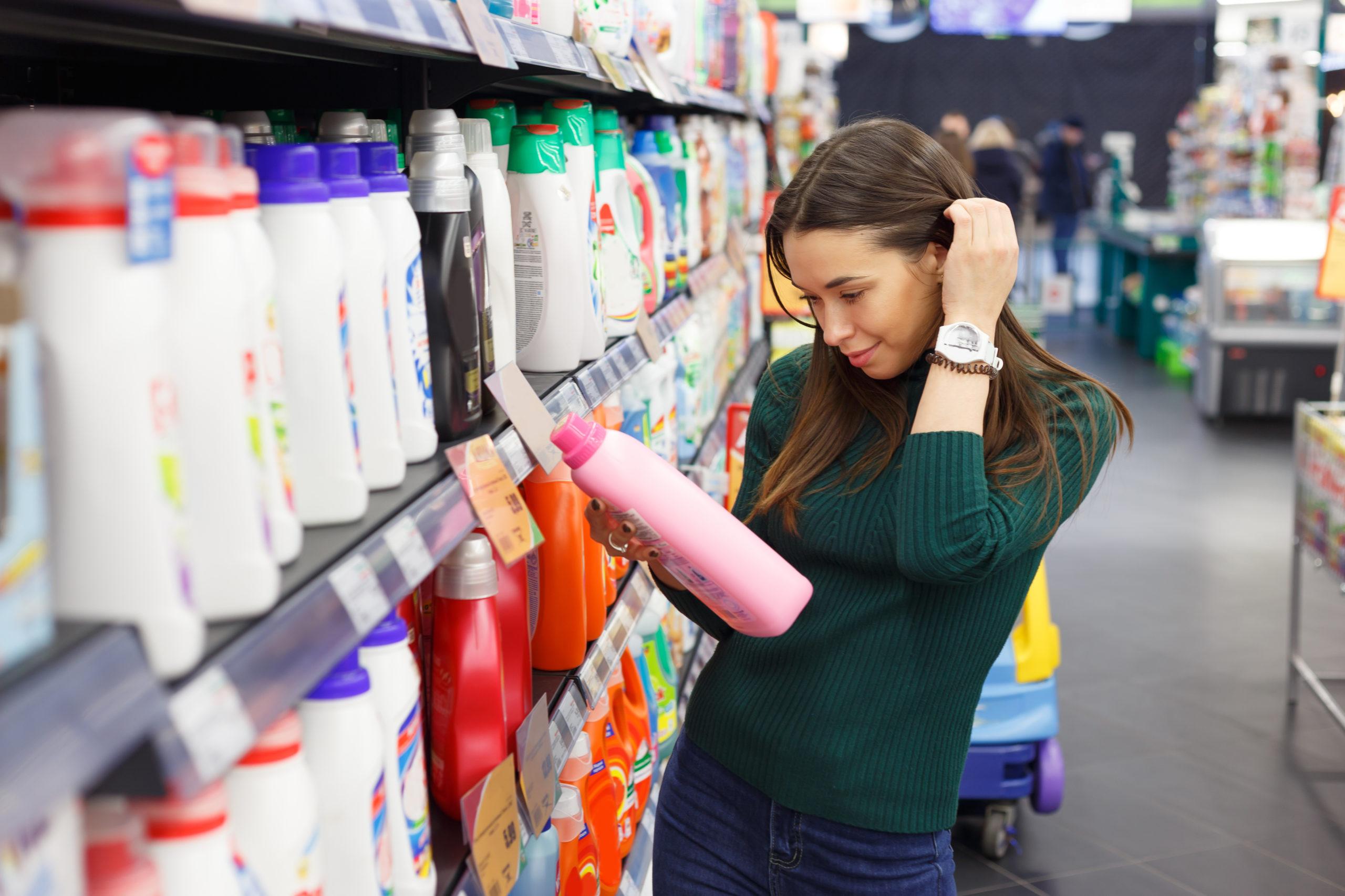 Die Verwendung von Waschmittel Alternativen schont die Umwelt.